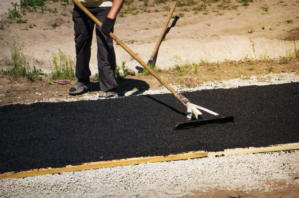 Asphalt Pavement Sealcoating